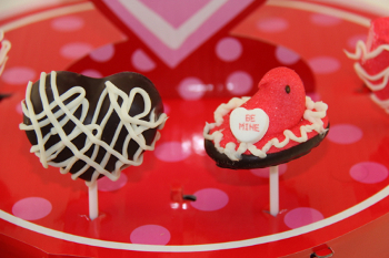 Lollipops3 Stick It: Make Creative Candy Pops For Valentines Day