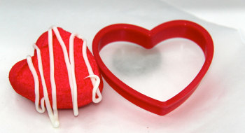 treats 2 Satisfy Your Sweet Tooth & Make This Edible Valentines Day Craft