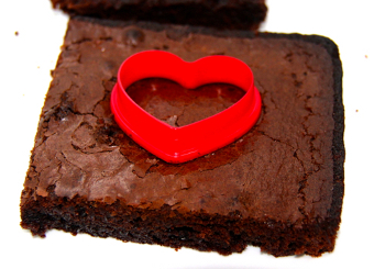 treats 3 Satisfy Your Sweet Tooth & Make This Edible Valentines Day Craft