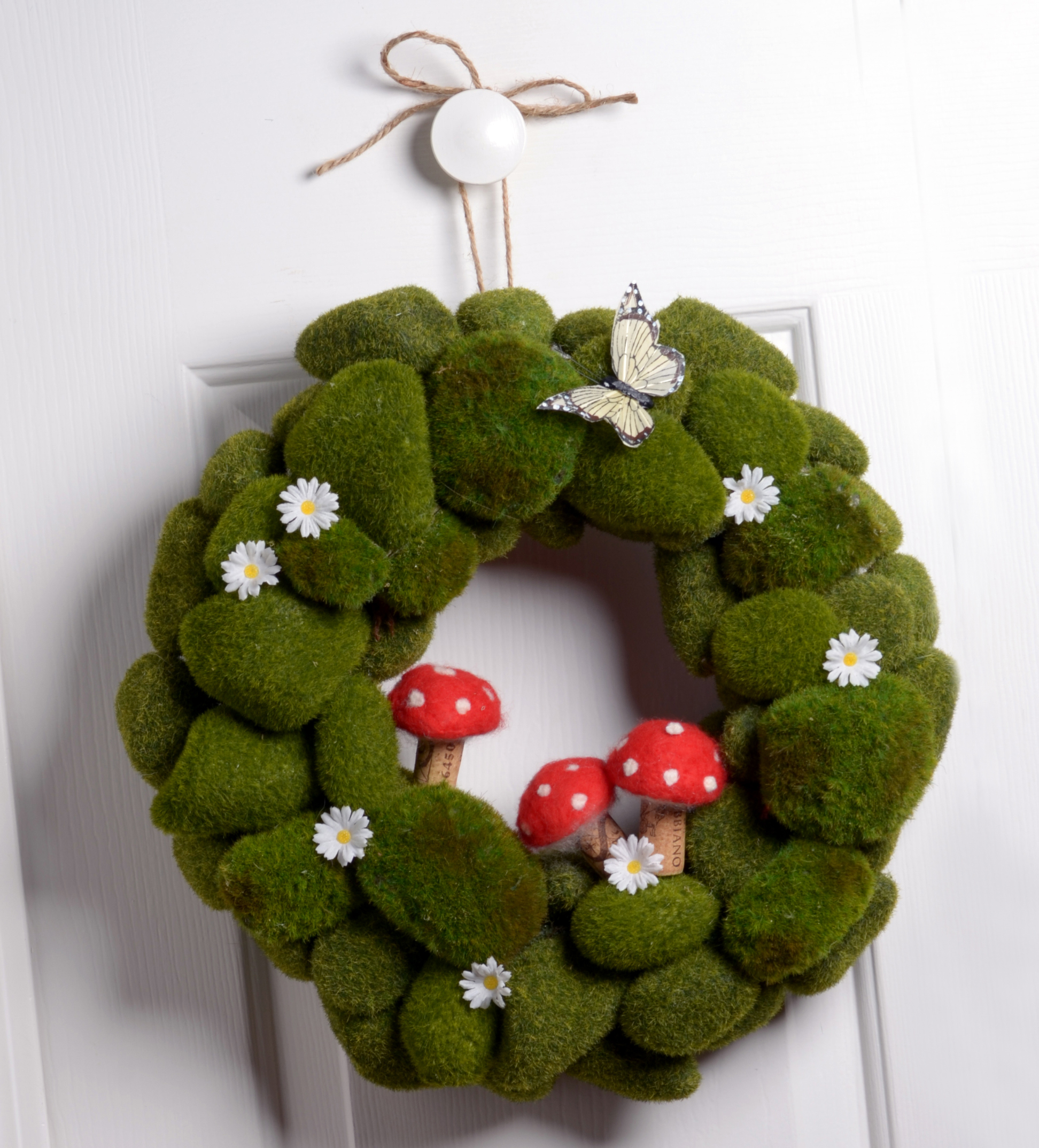 Backyard Ideas For Spring Decorating 6 Tips To Make: Green As Spring DIY Wreath: National Craft Month Project