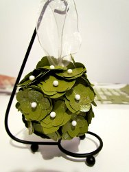 flower-bustle-ornament