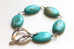 ChunkyTurquoiseBracelet Color Crush Turquoise: 10 DIY Jewelry Projects
