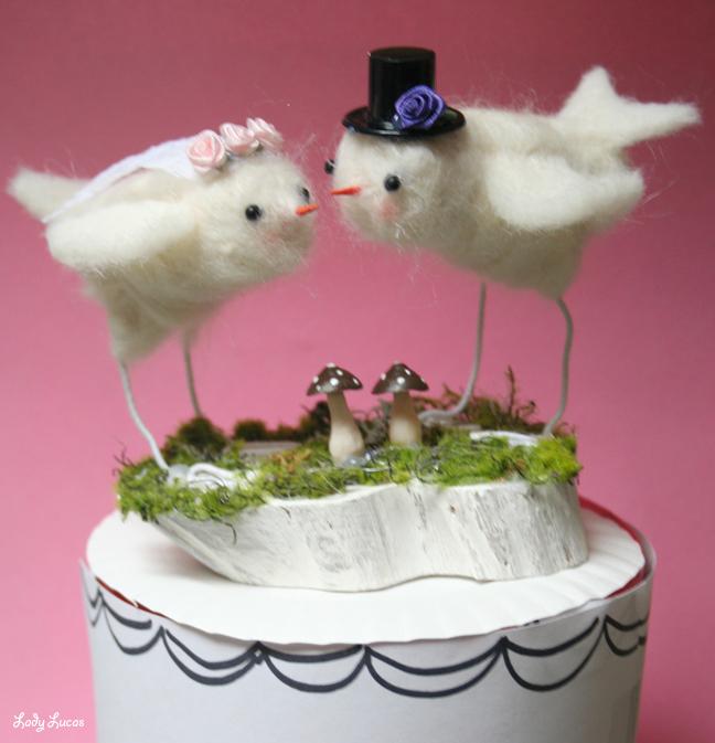 EKZgYbCQOK RGGrBGBWhuN1tvOaVNM KTNGtgMX2xZVEDrygUNJ0A8v sywtUwt1bww1563 h740 Love Birds Wedding Cake Topper
