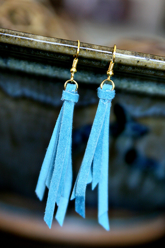 anthro diy earrings 50+ Cheap & Classy Anthropologie Knock Off Crafts
