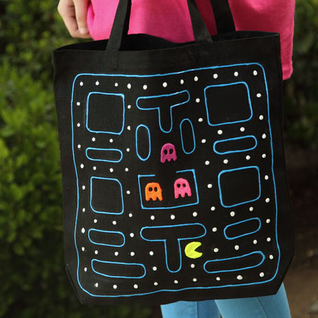 pac man tote Pac Man DIY Tote Bag: National Craft Month Project & Giveaway