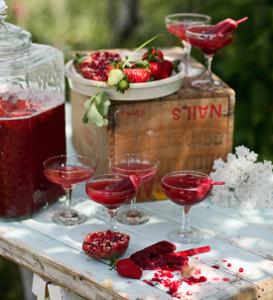 succulent strawberry pomegranate punch 21 Stunning Summer Wedding Finds
