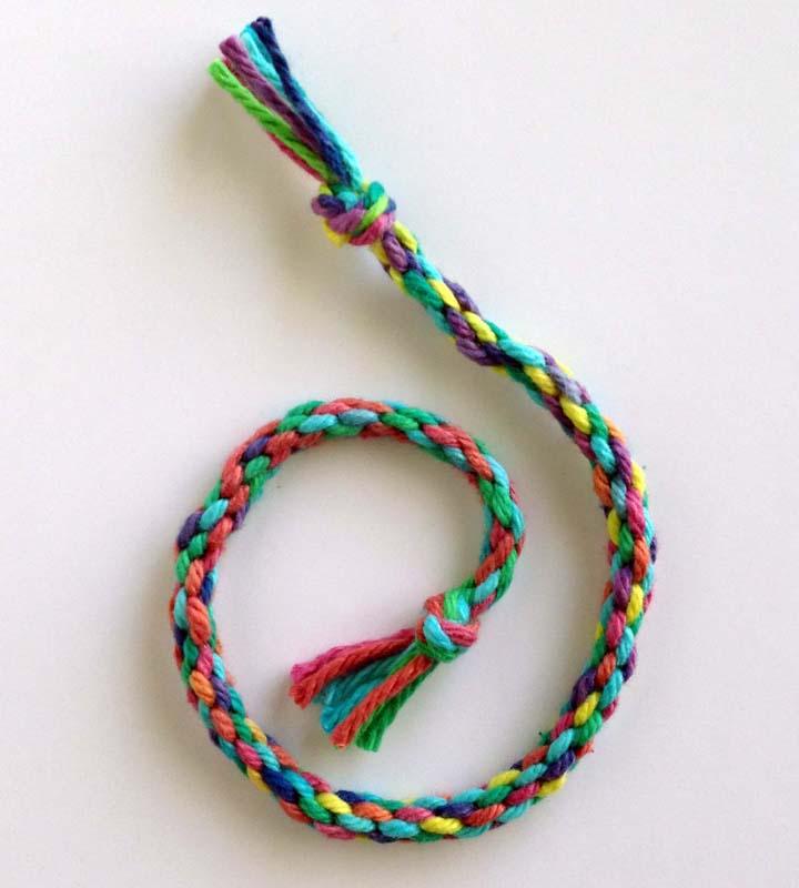 10 Easy Friendship Bracelet Patterns For Kids Favecrafts