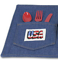 4th of July placemat1 10 Picnic Craft Ideas To Help You Celebrate Summer