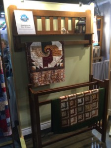IQF Display 2 225x300 Rosemonts International Quilt Festival: Trends & Hot Topics