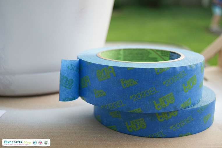 ScotchBlue™ Painter's Tape Multi-Surface with Edge-Lock™ Paint Line Protector 2093EL