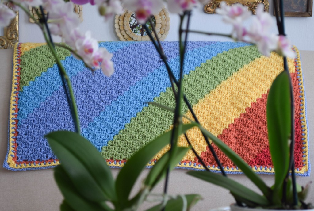 Diagonal-Rainbow-Baby-Blanket-4