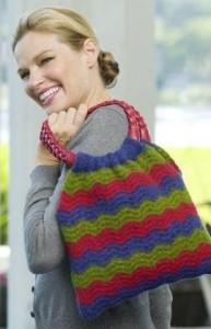 Wavy Shoulder Bag. This image courtesy of RedHeart.com.