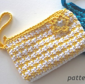 Gotta Go Crochet Clutch. This image courtesy of pattern-paradise.com.
