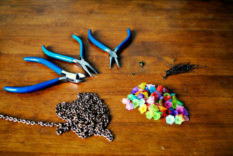 Jewelry Tools 101: Comparing Pliers And Tweezers